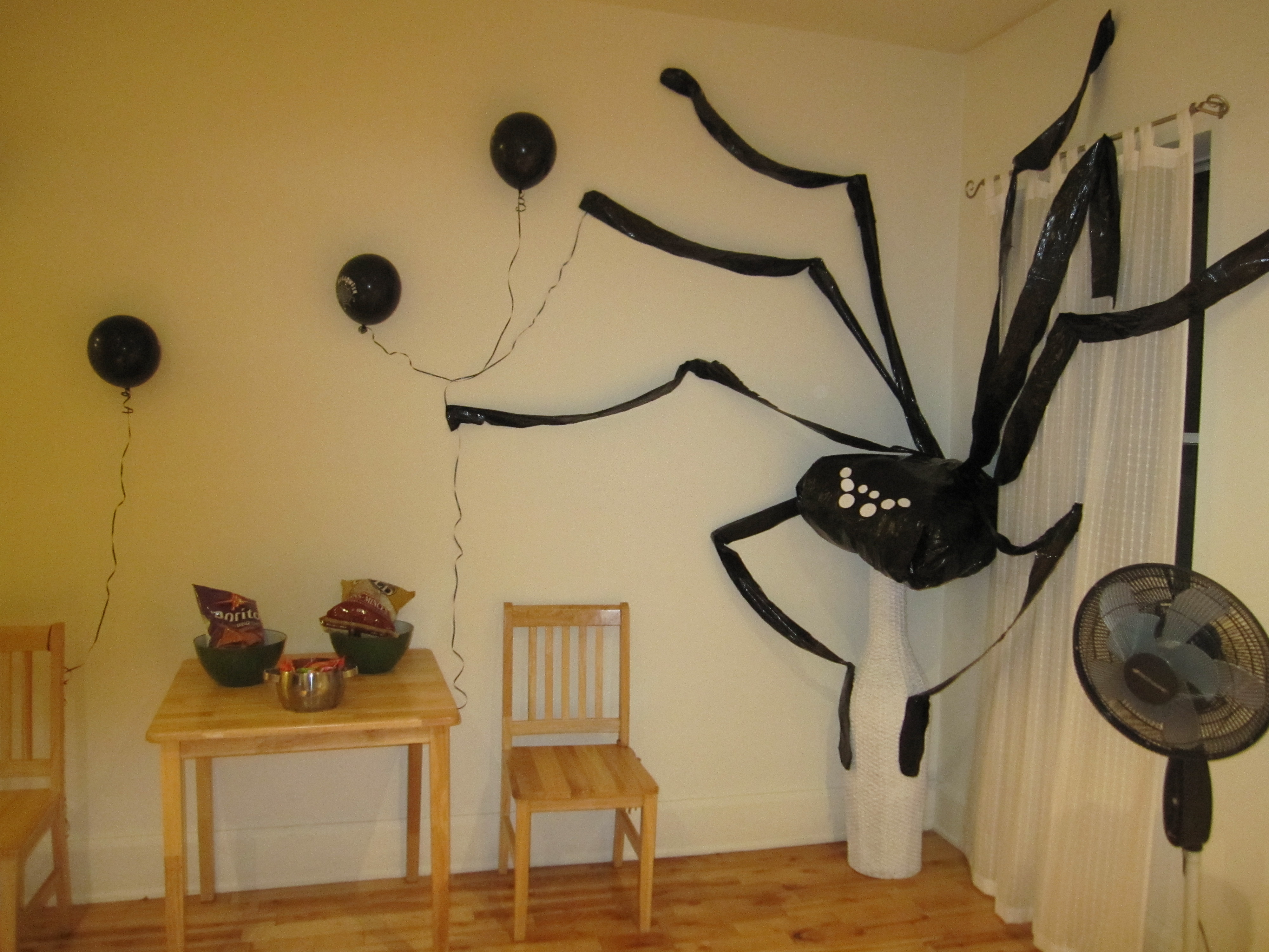theres - Tim Burton Halloween Decorations